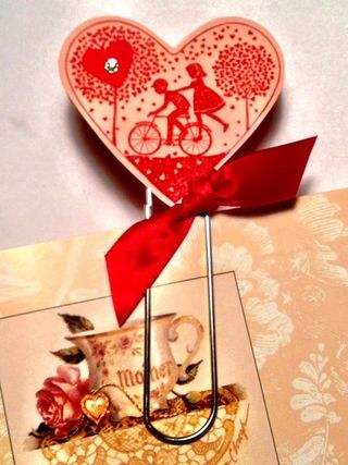 Quick-easy-Valentine-bookmark-take-it-to-heart