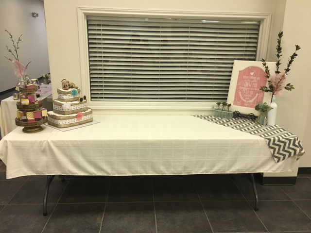 Baby-shower-favors-table