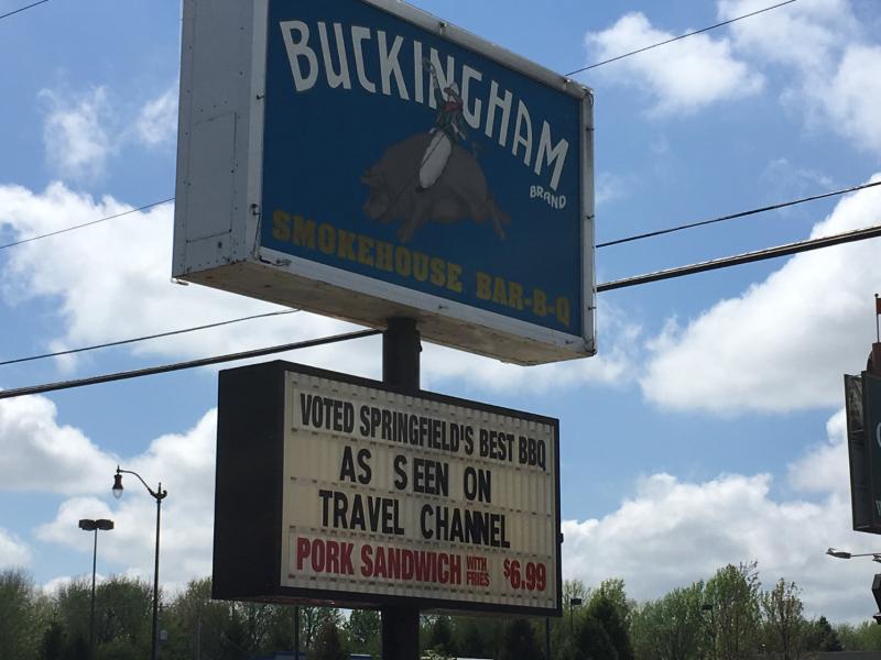 Restaurant-buckinghams-1