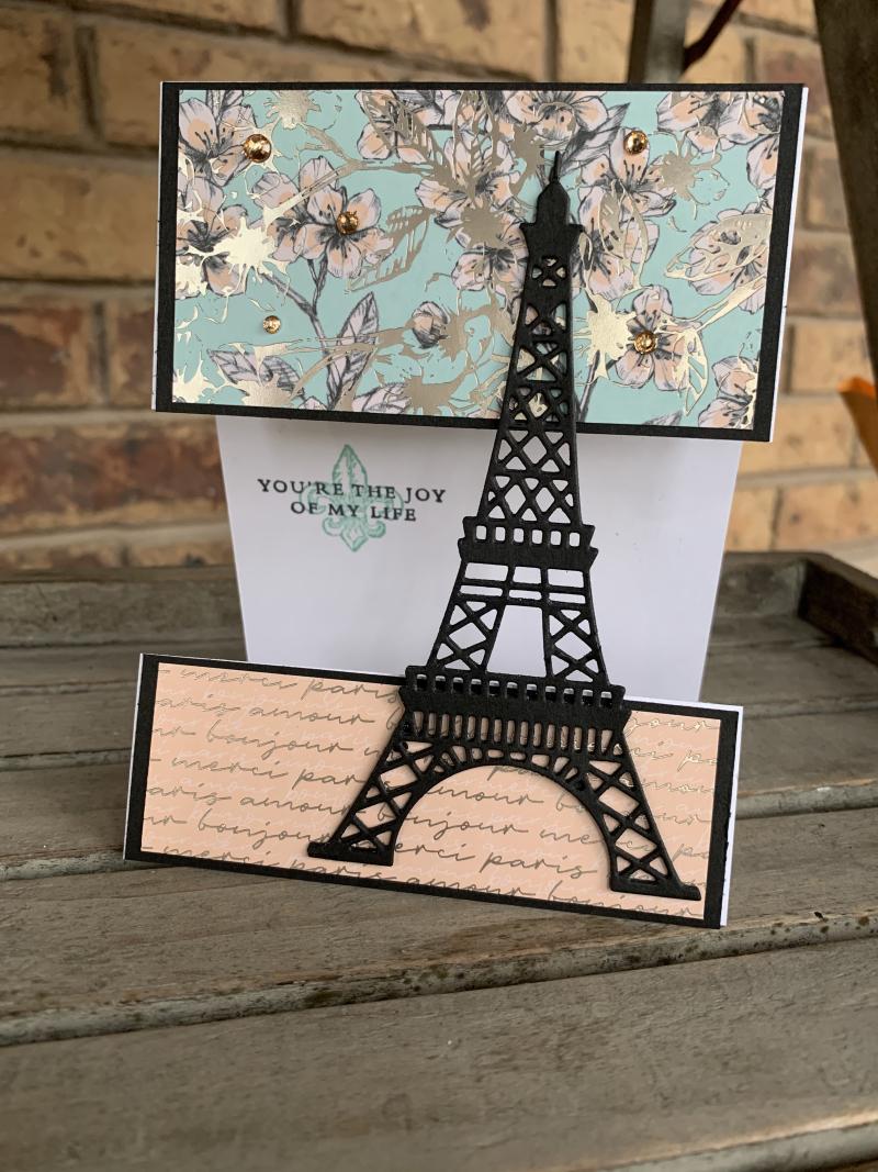 Parisian-beauty-eiffel-tower-card