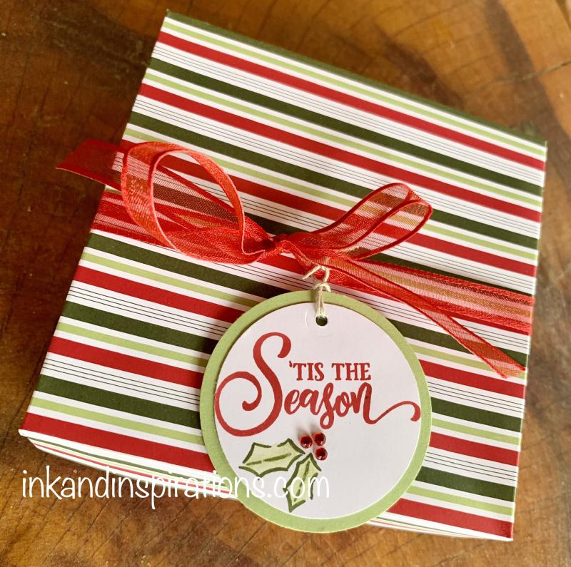 Small-gift-box-christmas